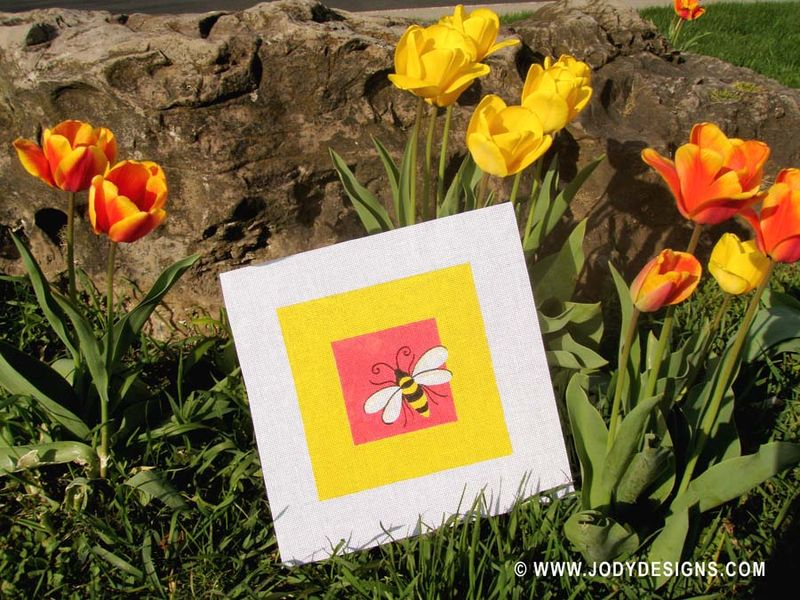 ETSY Bumble bee:tulips